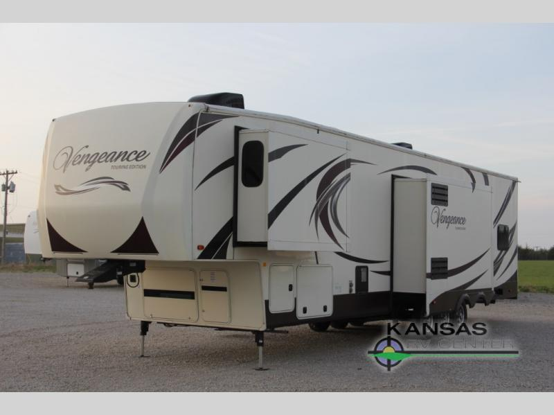 2014 Forest River Rv Cherokee Vengeance Touring Edition SUT 39 R12