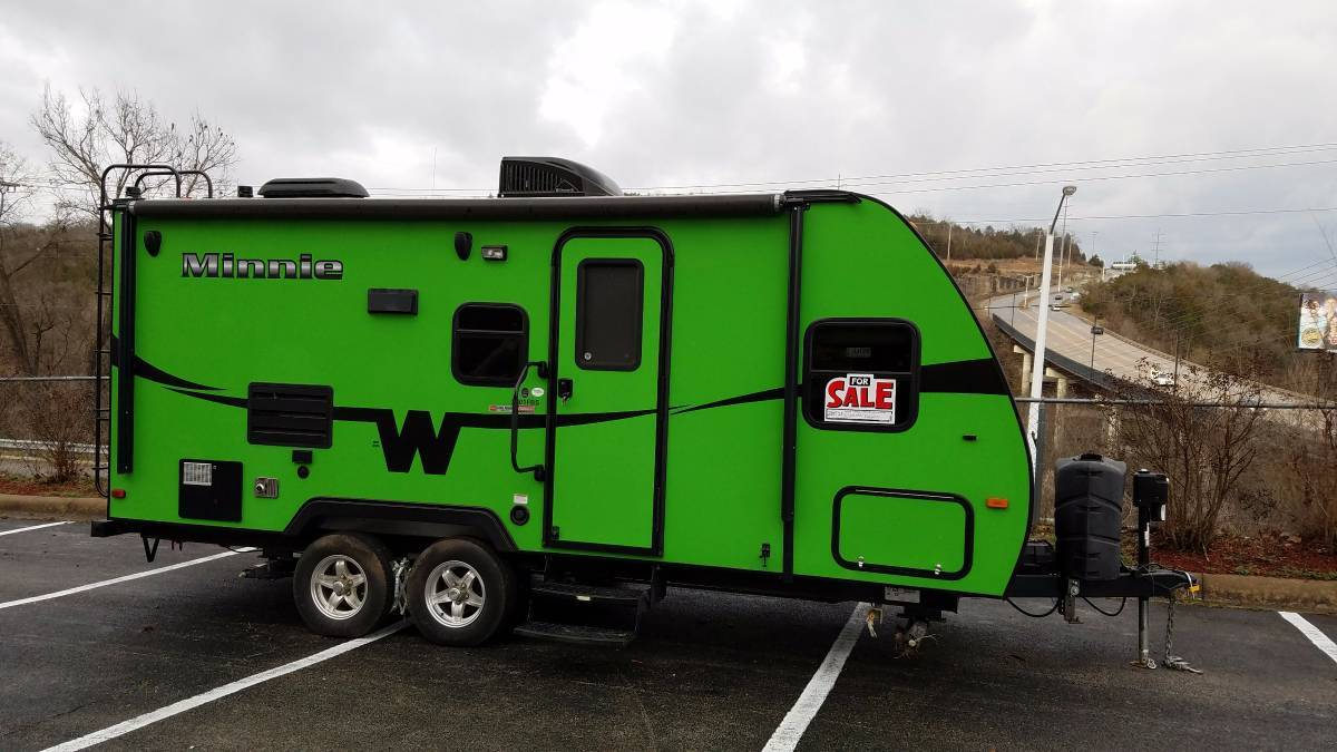 2015 Winnebago MINNIE 2101FBS