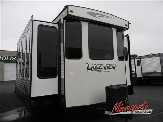 2017 Breckenridge Lakeview Limited 441BH