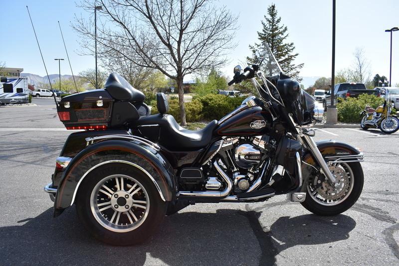 2011 Harley-Davidson FLHTCUTG - Tri Glide Ultra Classic