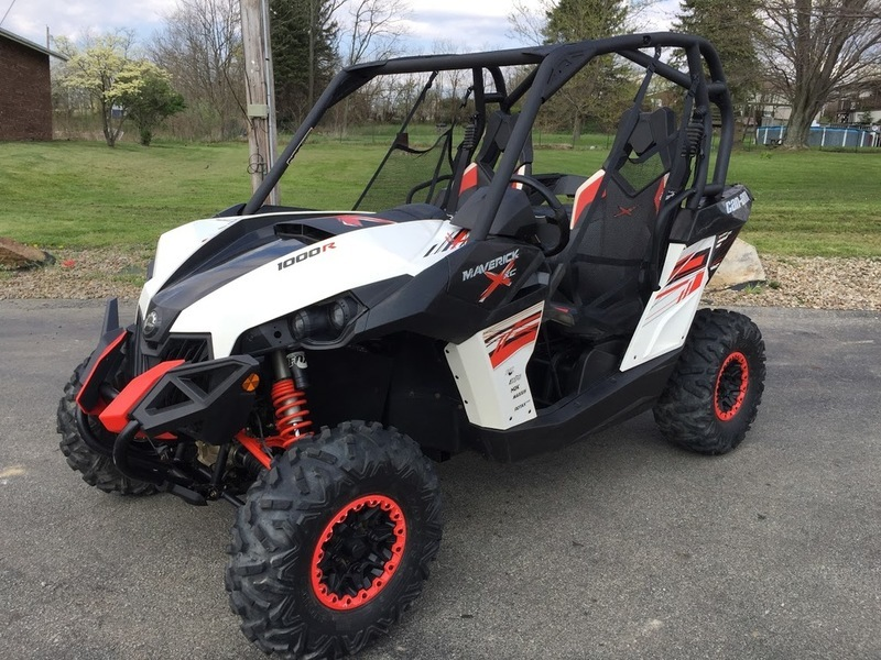 2014 Can-Am Maverick X xc DPS 1000R White, Black & Can-Am Red