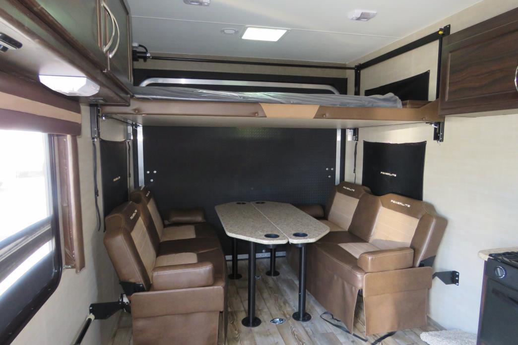 2017 Pacific Coachworks POWERLITE 24FS, 2
