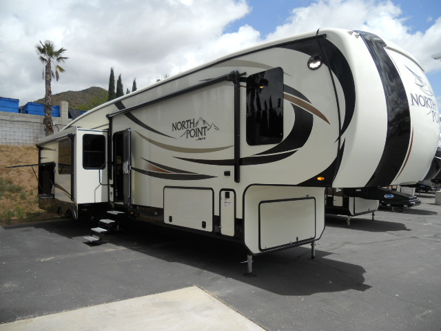 2017 Jayco NORTH POINT 351RSQS