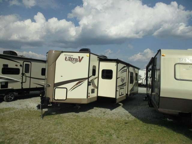 2015 Forest River Rockwood Ultra Windjammer 2715VS