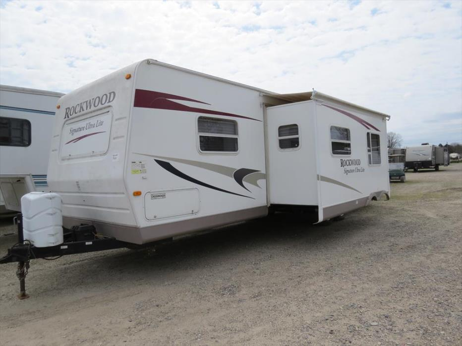 2010 Forest River Rockwood Signature Ultra Lite 8313SS