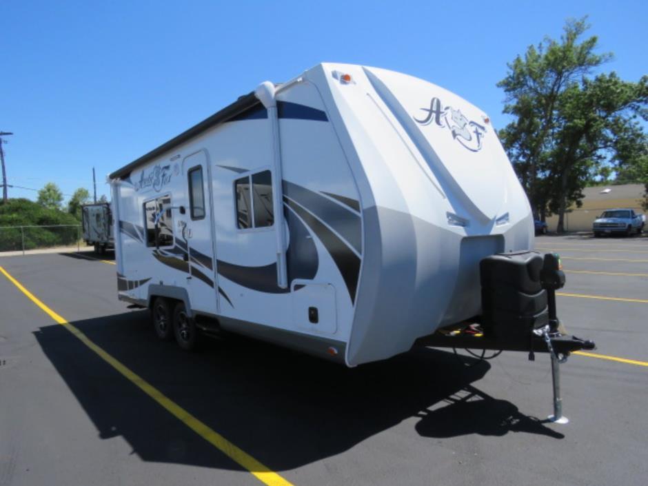 2017 Northwood ARCTIC FOX CLASSIC 22G