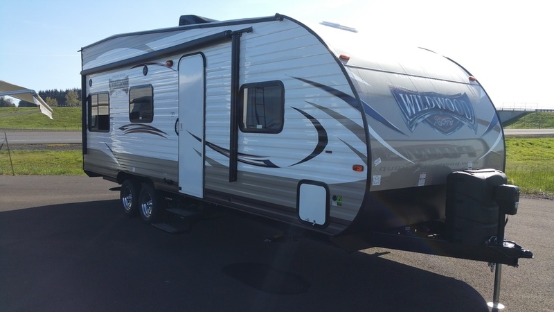 2018 Forest River Wildwood X-Lite 211SSXL