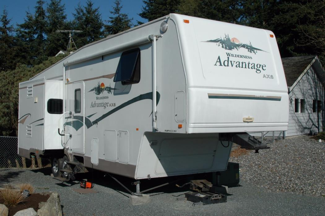 2004 Fleetwood ADVANTAGE AX6