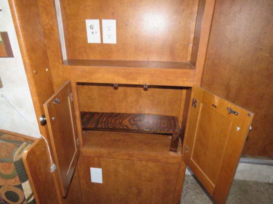 2008 Pacific Coachworks TANGO 2760RLSS, 7