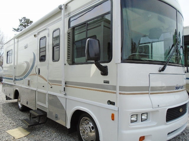 2004 Winnebago Sightseer 27C