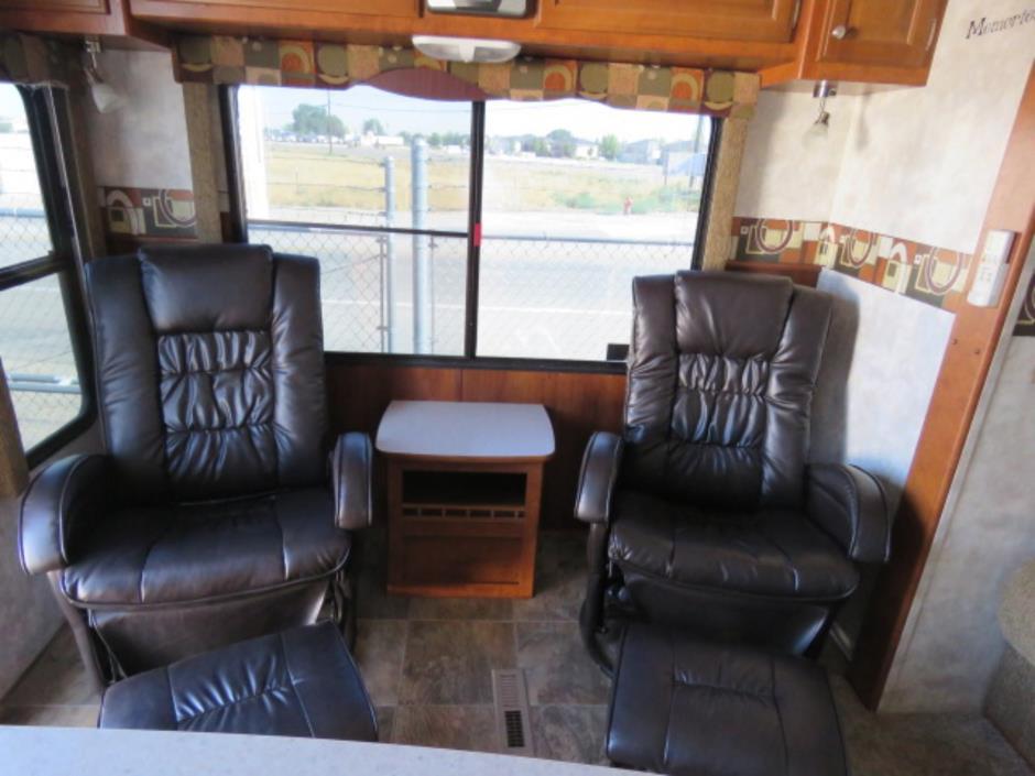 2008 Pacific Coachworks TANGO 2760RLSS, 4