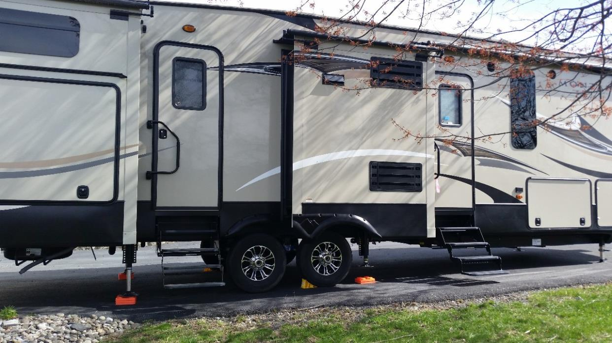 2016 Keystone MONTANA HIGH COUNTRY 356BH, 1