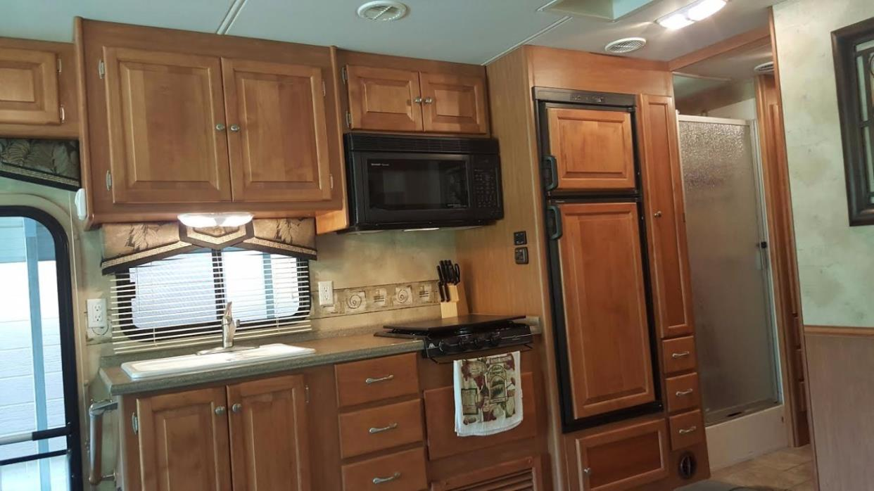 2009 Tiffin Motorhomes ALLEGRO OPEN ROAD 32BA, 9