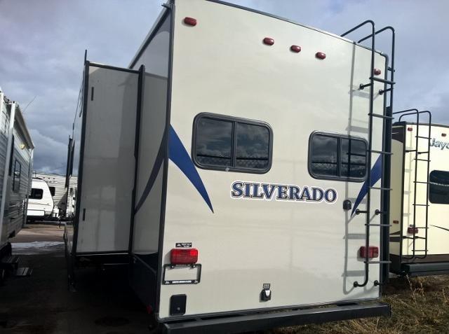 2015 Heartland SILVERADO 33RK, 2