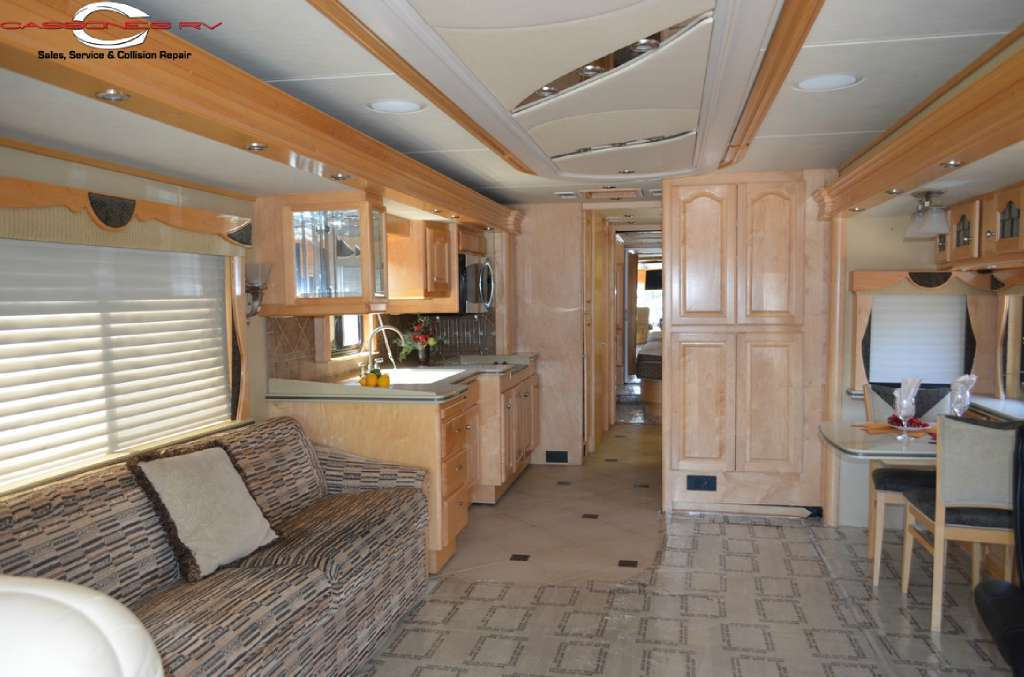 2005 Country Coach 45 Magna Rembrandt, 3