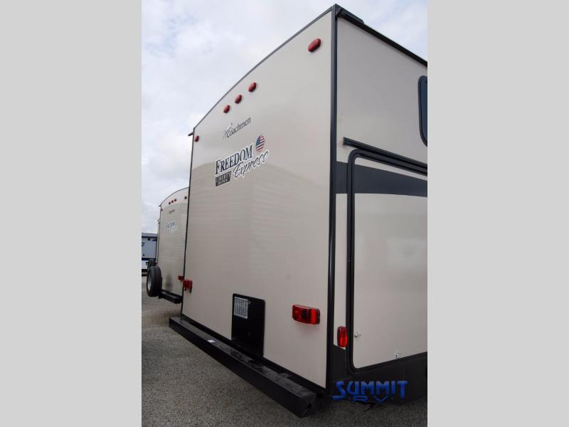2018 Coachmen Rv Freedom Express Liberty Edition 320BHDSLE, 6