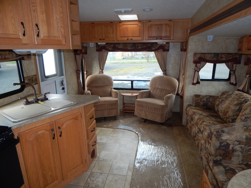 2007 Coachmen CHAPARRAL 267RLS, 6