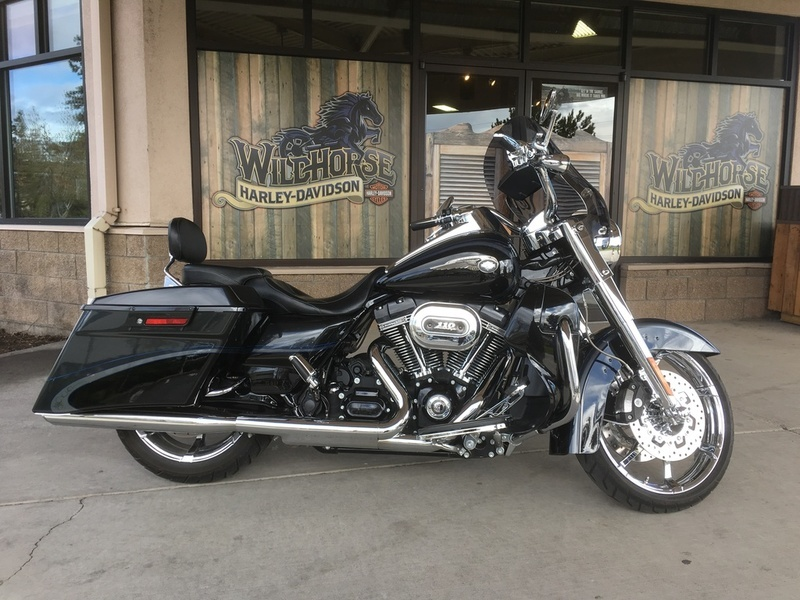 2013 Harley-Davidson FLHRSE5 - CVO Road King 110th Anniversary Edition