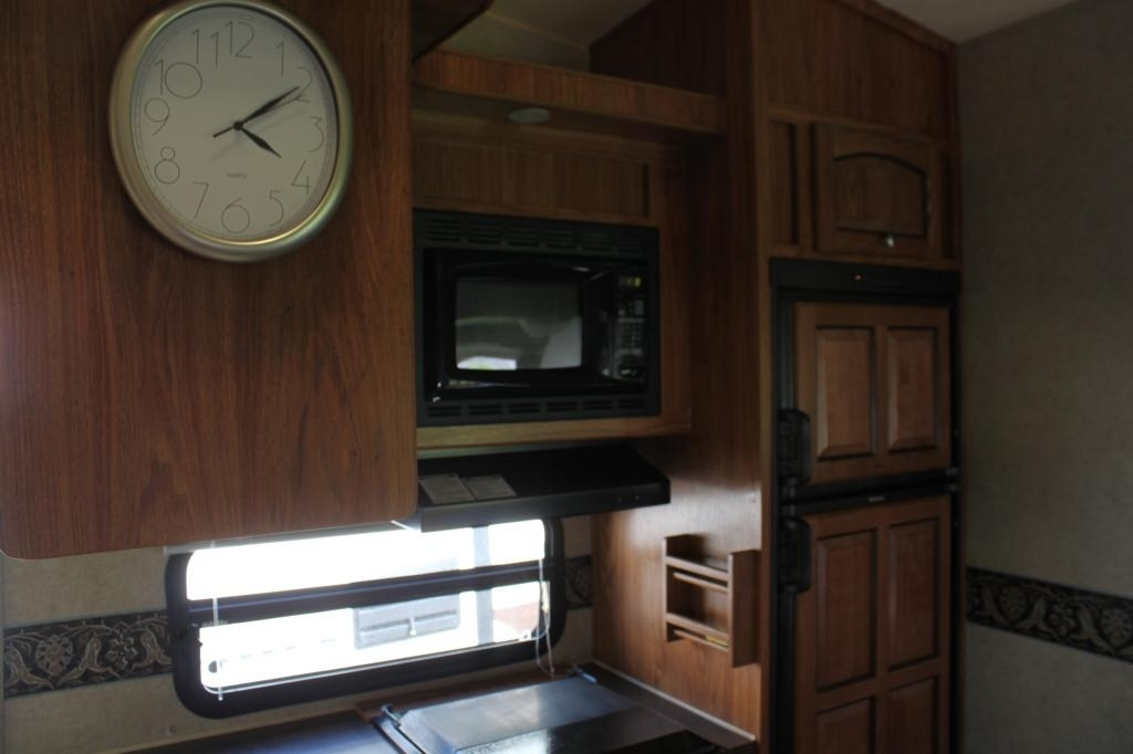 2013 Forest River ROCKWOOD SIGNATURE ULTRA 8281WS, 4