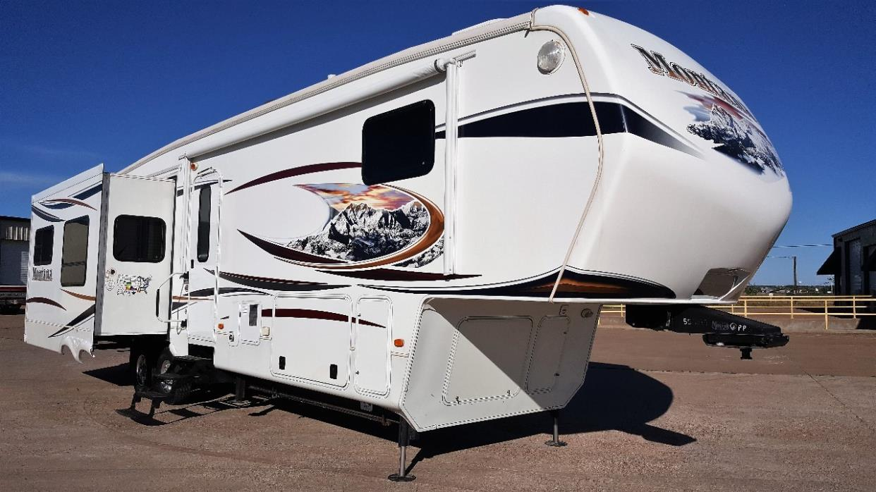 2012 Keystone MONTANA HICKORY EDITION 3800RE