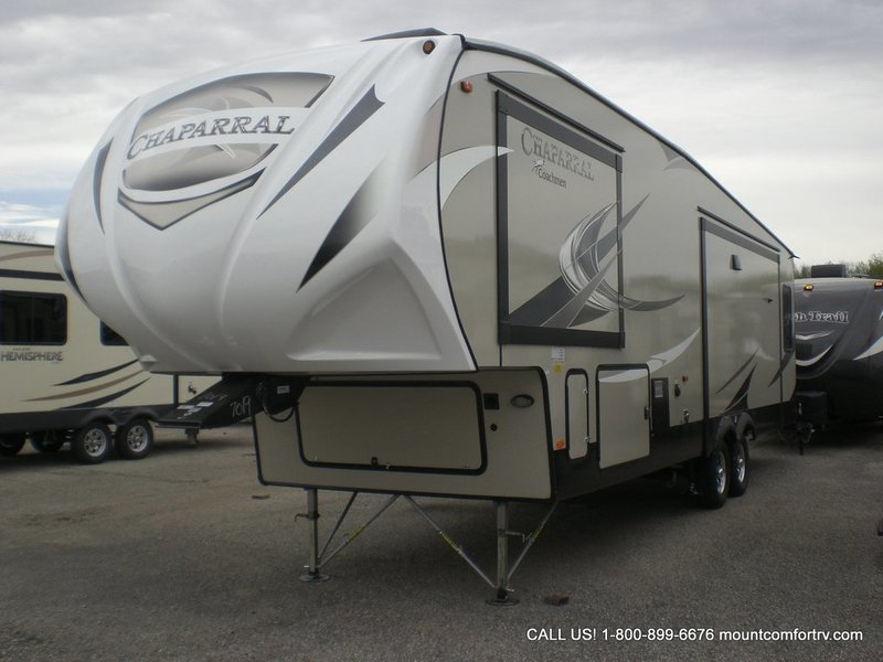 2018 Coachmen Chaparral 336TSIK, 1