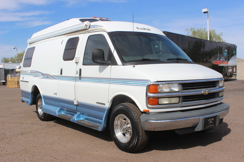 2001 Roadtrek Popular 200 Class B RV