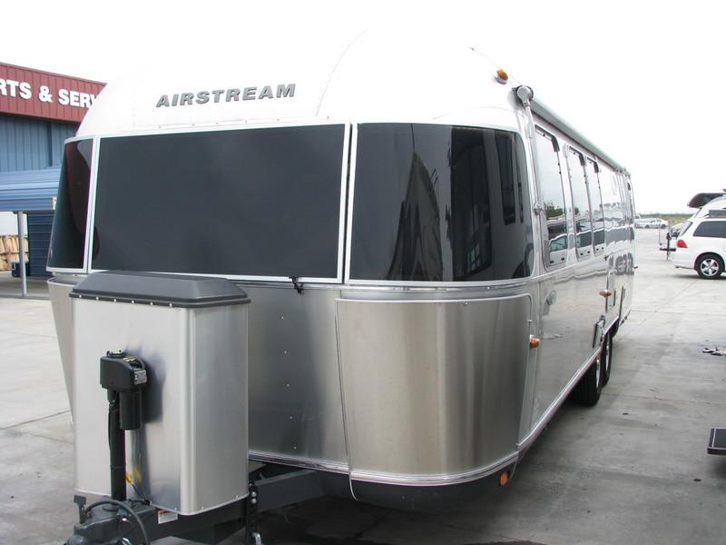 2015 Airstream Classic 30, 3