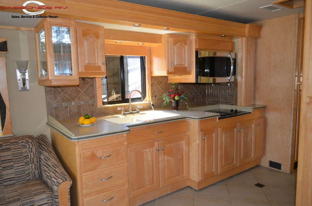 2005 Country Coach 45 Magna Rembrandt, 6