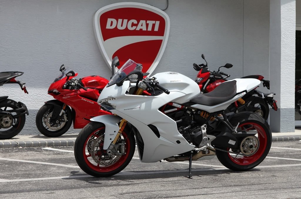 2017 Ducati SUPERSPORT S DEMO