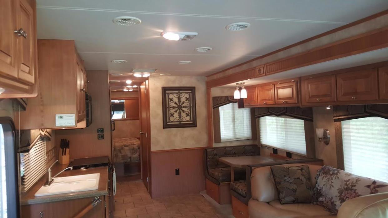 2009 Tiffin Motorhomes ALLEGRO OPEN ROAD 32BA, 8