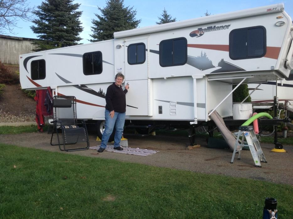 2011 Trailmanor 2720, 2