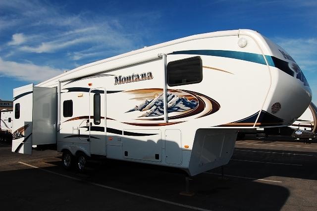 2011 Keystone MONTANA 3150RL, 1