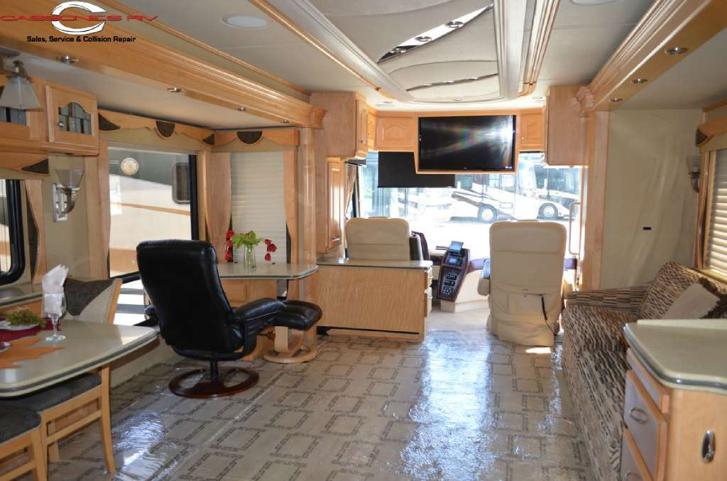 2005 Country Coach 45 Magna Rembrandt, 7