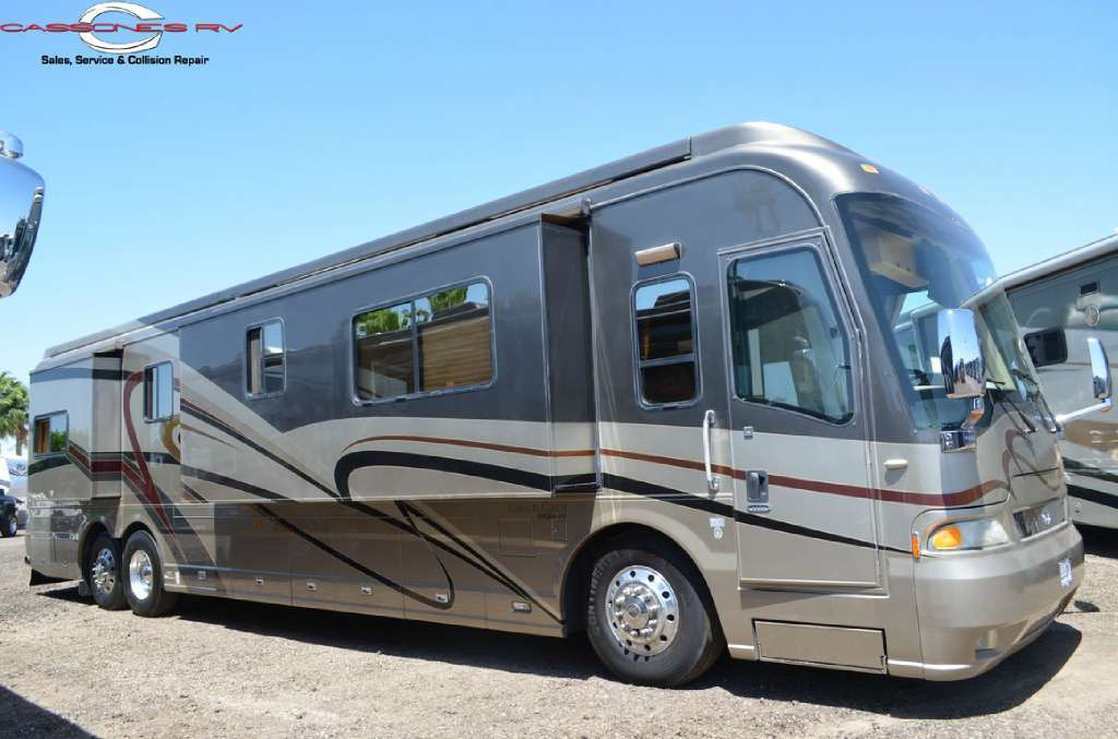 2005 Country Coach 45 Magna Rembrandt