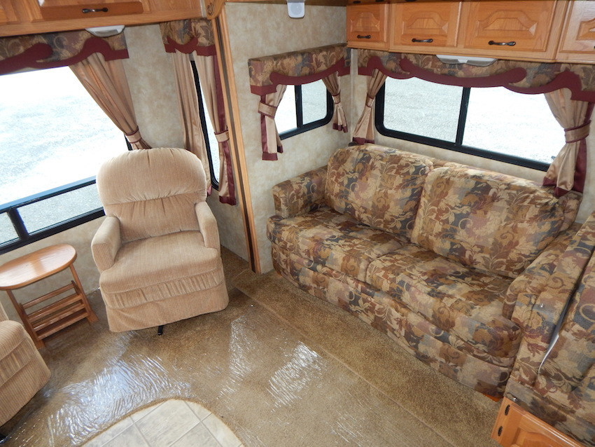 2007 Coachmen CHAPARRAL 267RLS, 7