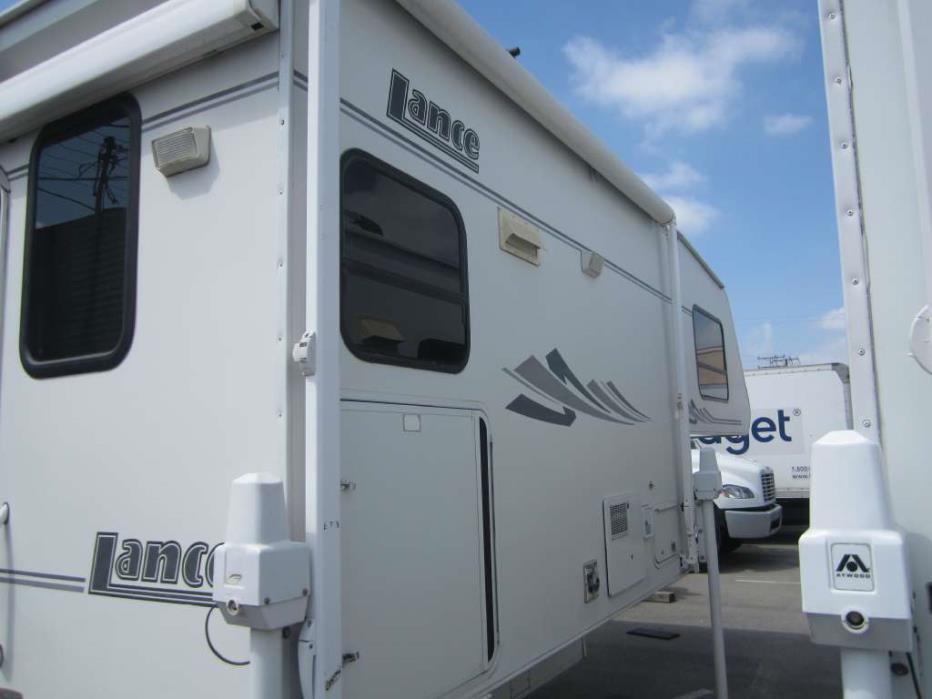 2004 Lance 981, 4