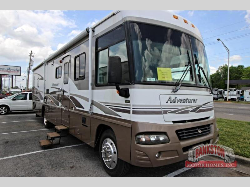 2005 Winnebago Adventurer 35 U