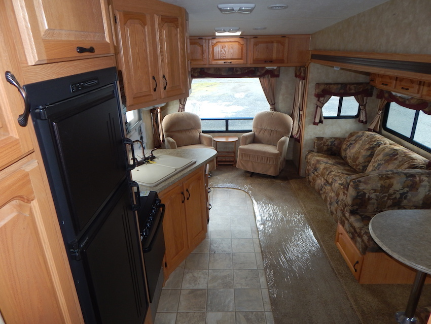 2007 Coachmen CHAPARRAL 267RLS, 4
