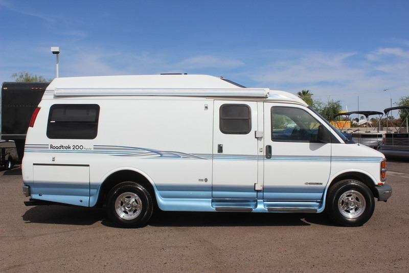2001 Roadtrek Popular 200 Class B RV, 3