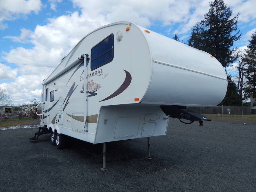 2007 Coachmen CHAPARRAL 267RLS, 3