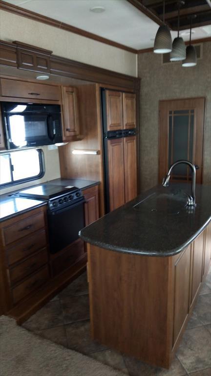 2014 Heartland Rv Bighorn BH 3570 RS, 6