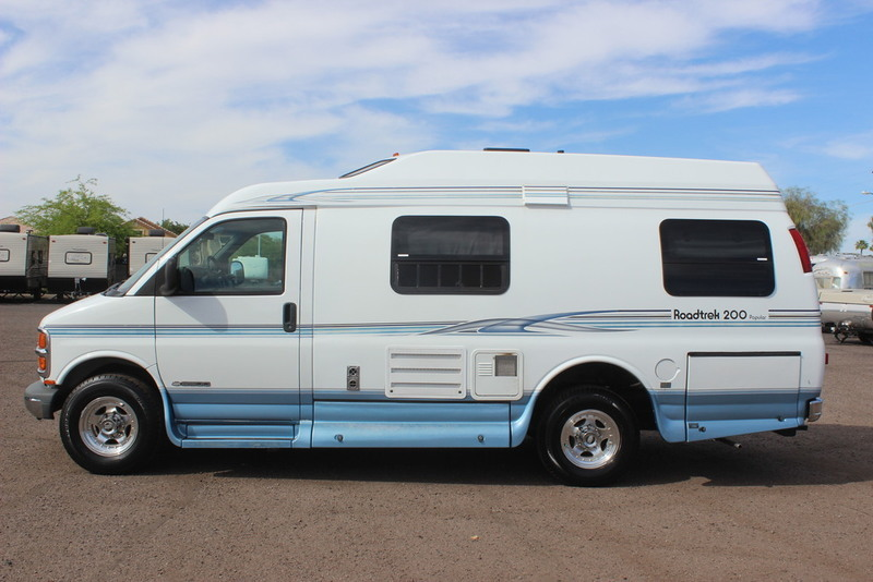 2001 Roadtrek Popular 200 Class B RV, 2
