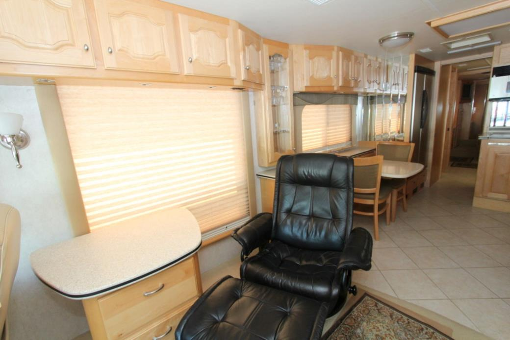 2003 Country Coach INTRIGUE FIRST AVE, 3