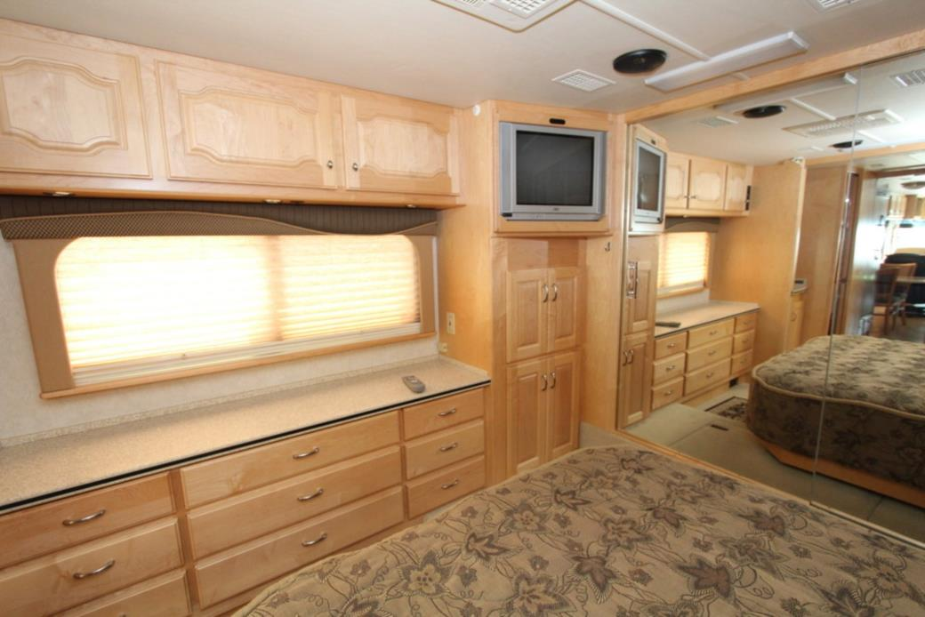 2003 Country Coach INTRIGUE FIRST AVE, 7
