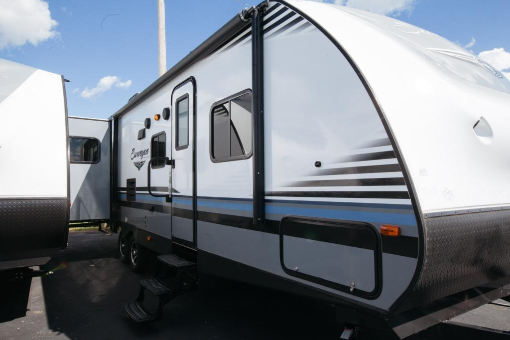 2018 Forest River Surveyor 295QBLE, 2