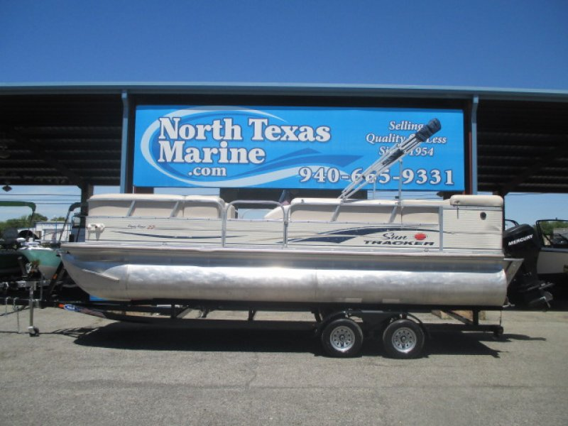 2007 SUNTRACKER party barge 22