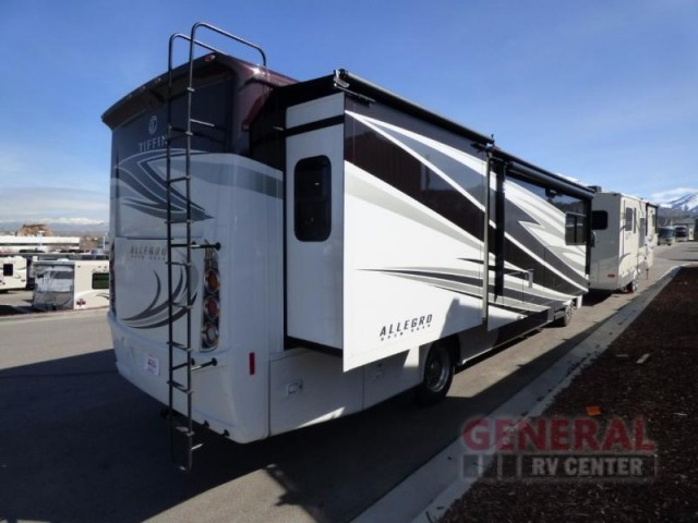 2017 Tiffin Motorhomes Allegro 34PA, 6