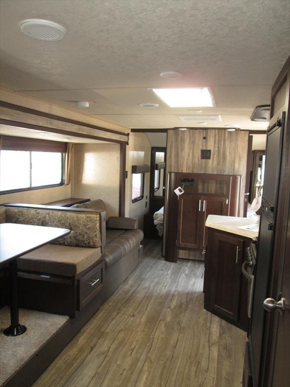 2017 Forest River Cherokee Grey Wolf 26DBH 2-BdRM Slide Double Bed Bunks, 2