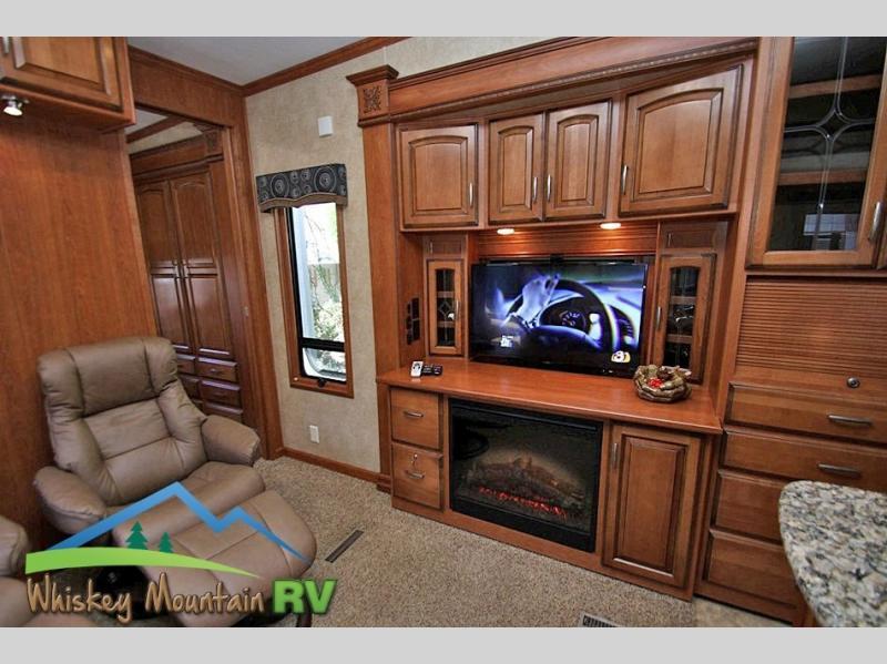 2012 DRV Mobile Suites Atlanta 45' Quad Slide 2 Bedroom, 9