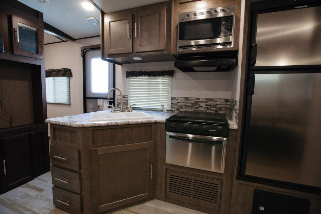 2018 Forest River Surveyor 295QBLE, 8